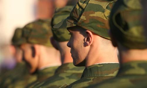 На время службы в армии жене платят пособие